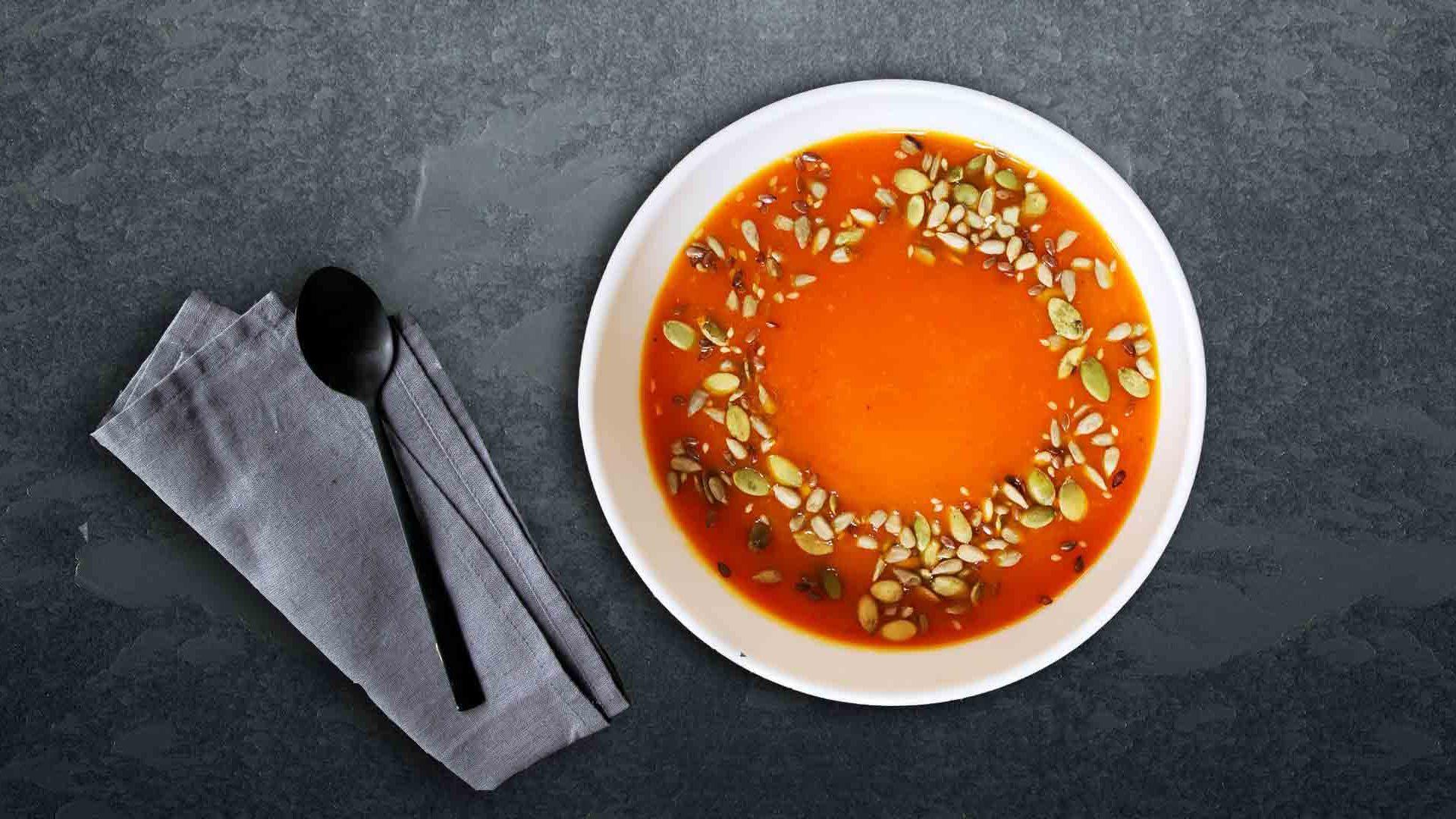 Supa cremă de dovleac cu roșii
